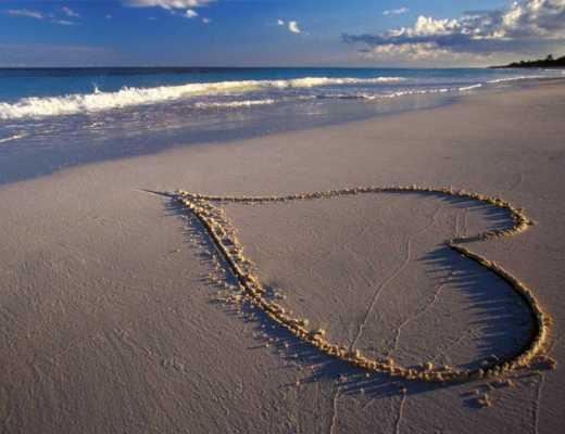 beach-sand-water-heart