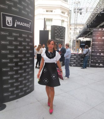 black-and-white-outfit-pink-stilettos-my-looks-denny rose skirt