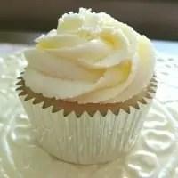 Tasty Tuesday – Fluffy Lemon Buttercream Frosting