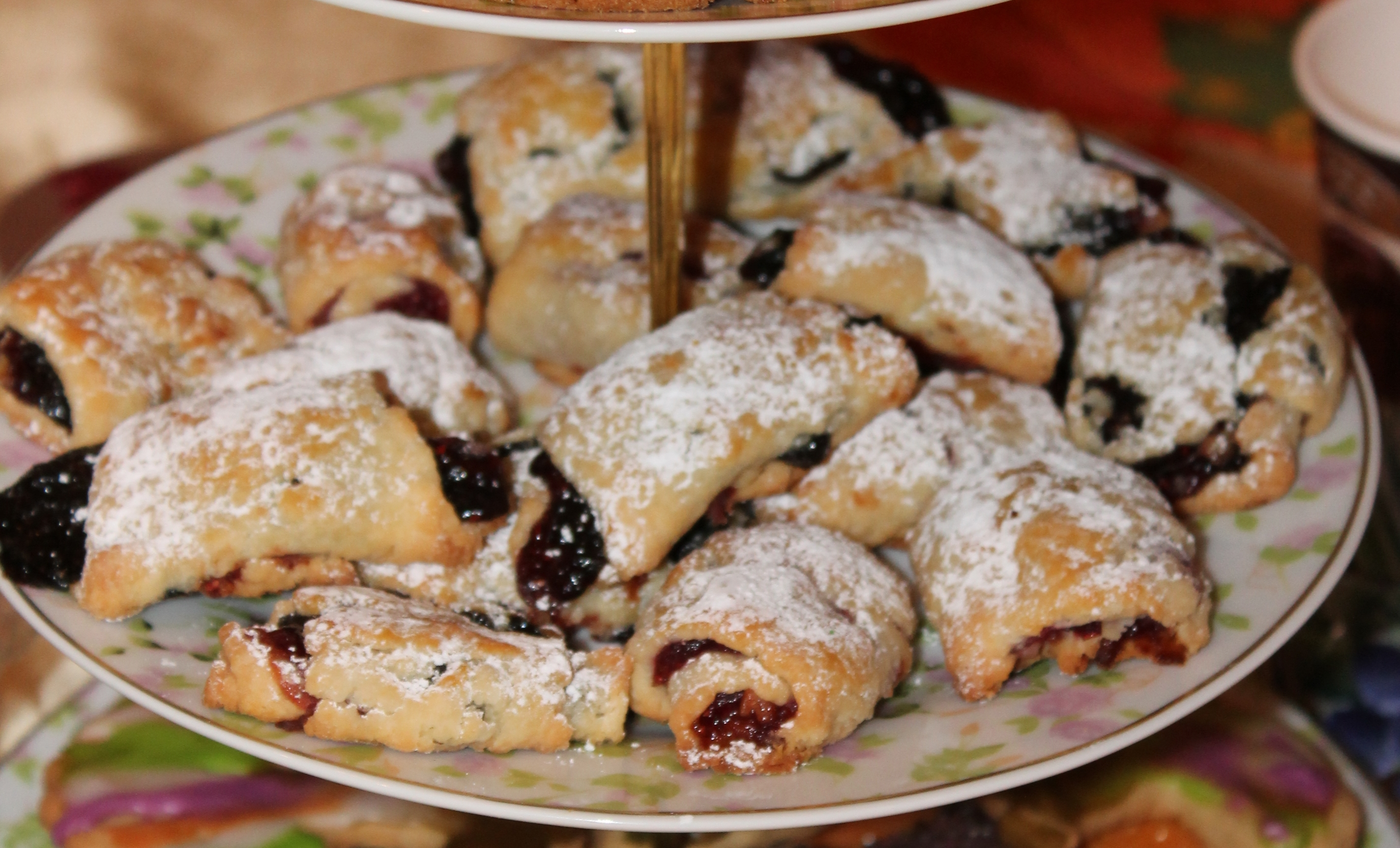 for over 300 years these cookies have been a tradition in the slavic countries but i discovered these fabulous polish cookies in 2001 from a tv show - Kolacky Polish Christmas Cookies
