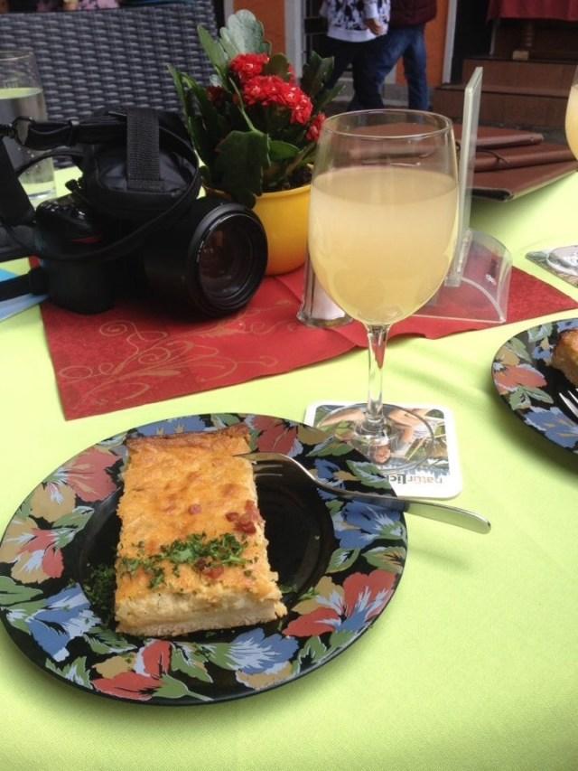 Zwiebekuchen, onion pastry, Federwiesen, new german wine in fermentation
