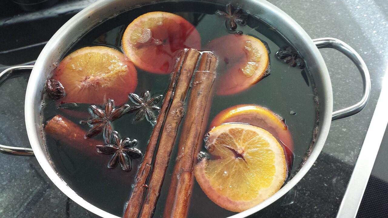 Gluehwein, Glühwein (hot mulled Red Wine)