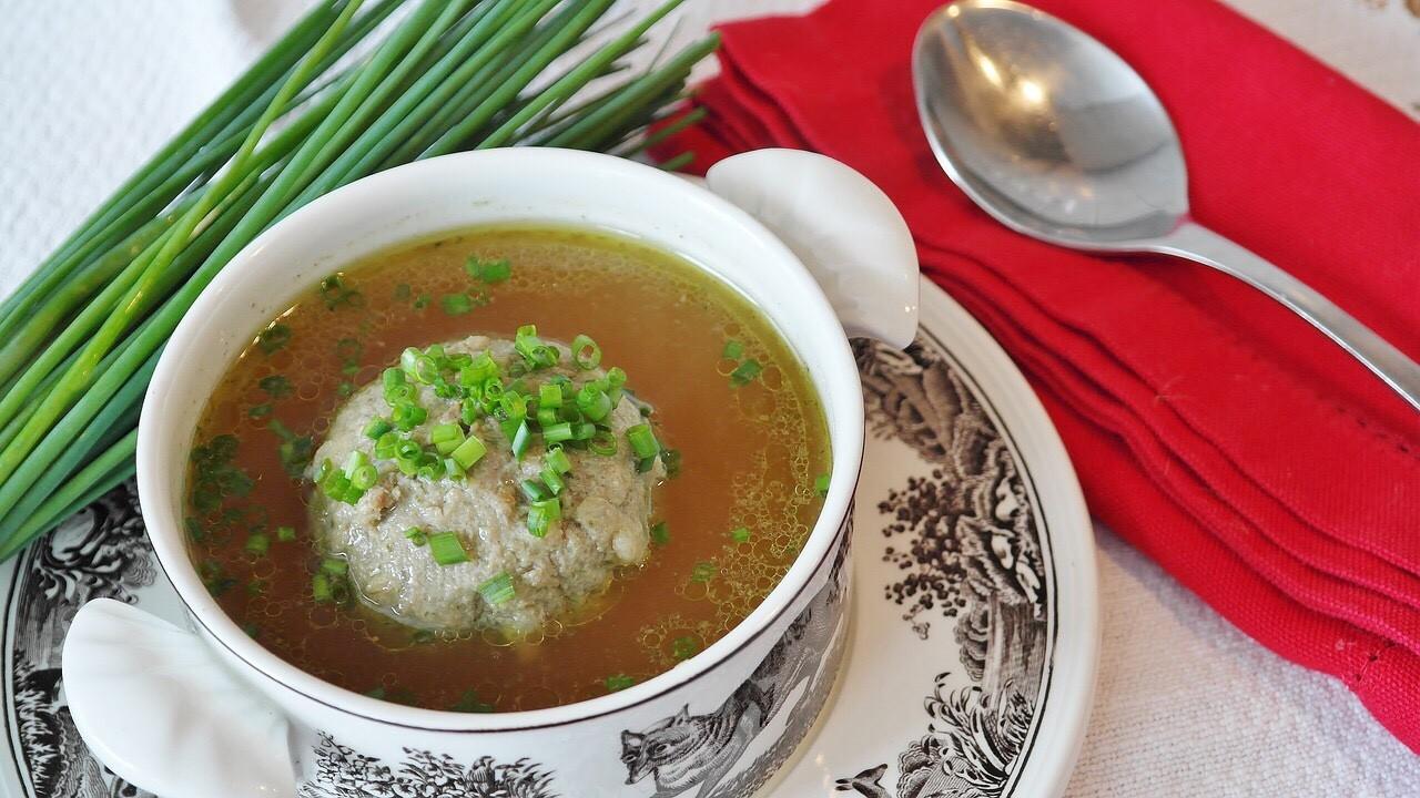Leberknödelsuppe, Liver dumpling soup