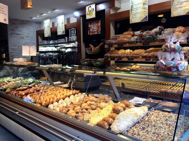German Bakery, Fresh German rolls, Broetchen