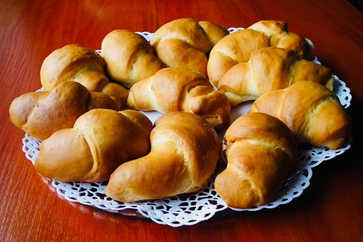 Yeast rolls, croissant