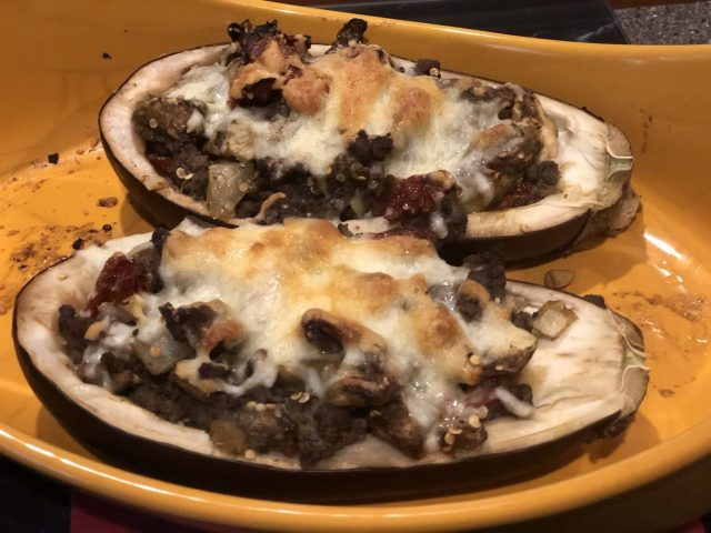 Auberginen Boote, filled eggplant