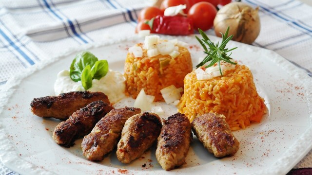 Cevapcici, Balkan sausage