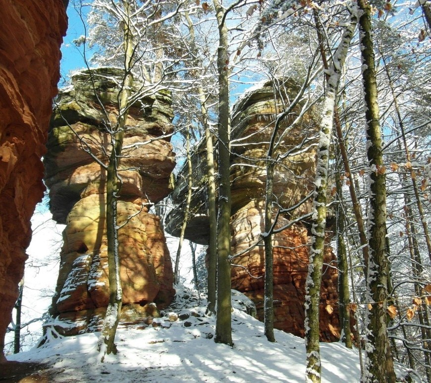 Altschlossfelsen red rock formation, Rheinland-Pfalz
