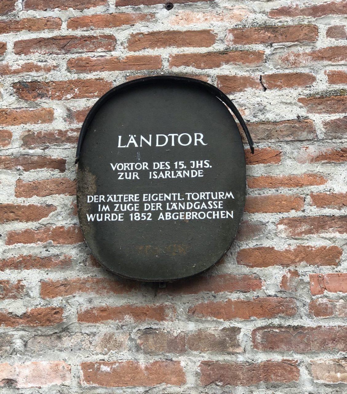 Landtor, Landshut plaque