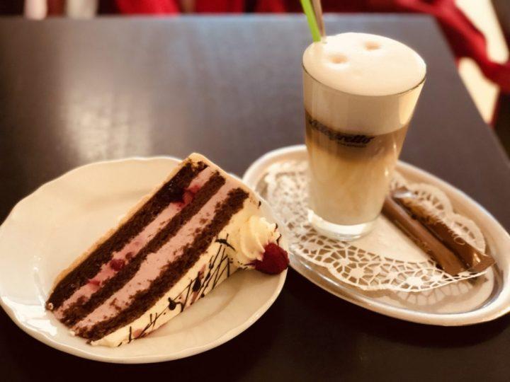 Kaffee Macchiato and Torte
