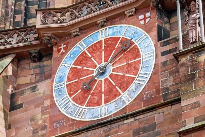 Freiburg Münster. Cathedral clock