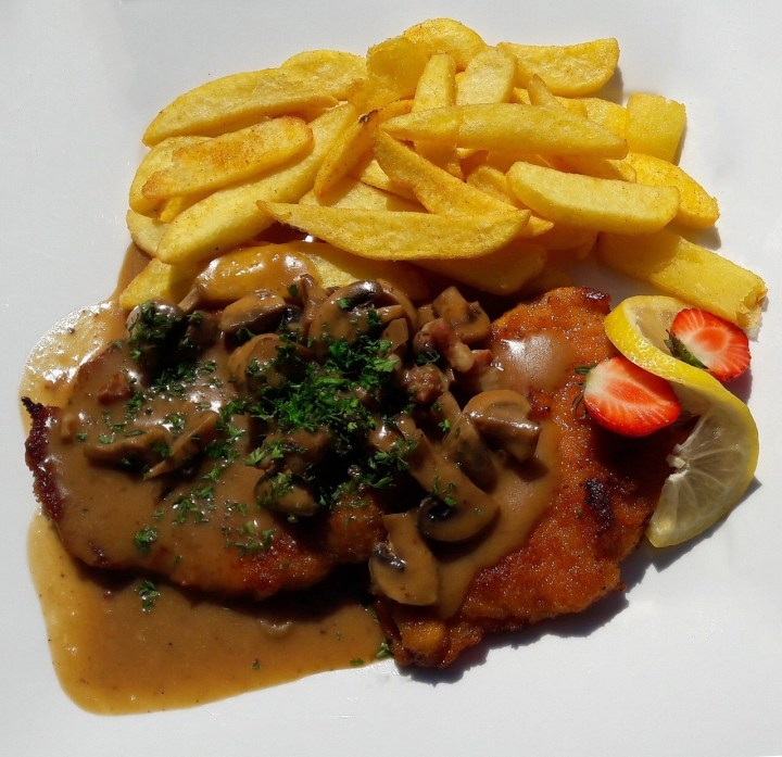 Jaegerschnitzel, Schnitzel with Mushrooms and gravy