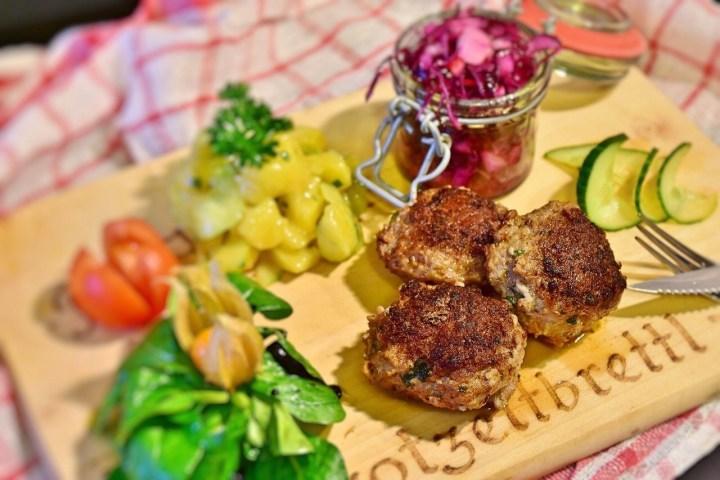 German meat patties, Frikadellen, vegetables