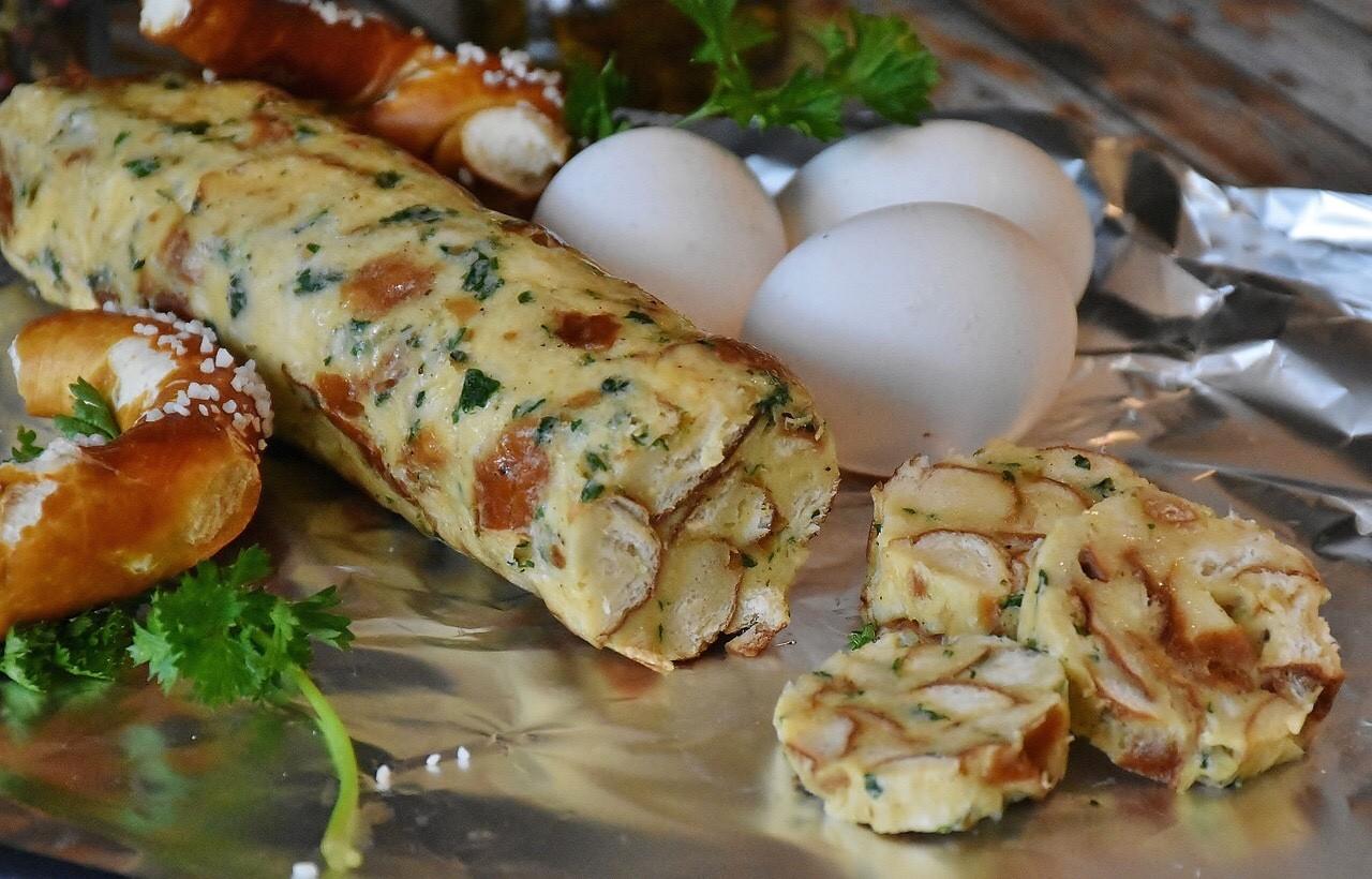 Serviettenknoede, bread dumplings