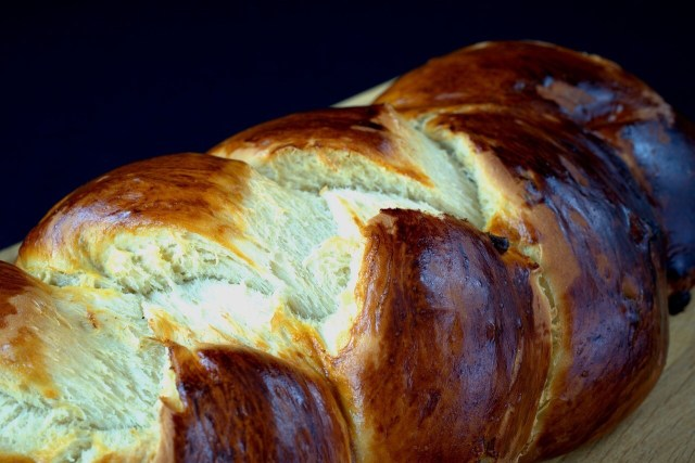 Easter bread, Yeast bread
