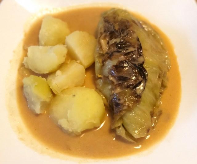 Cabbage rolls, Krautwickel, Kohlrouladen, Potatoes