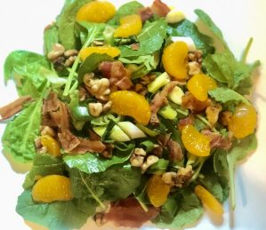 Spinach-Mandarine-Walnut Salad