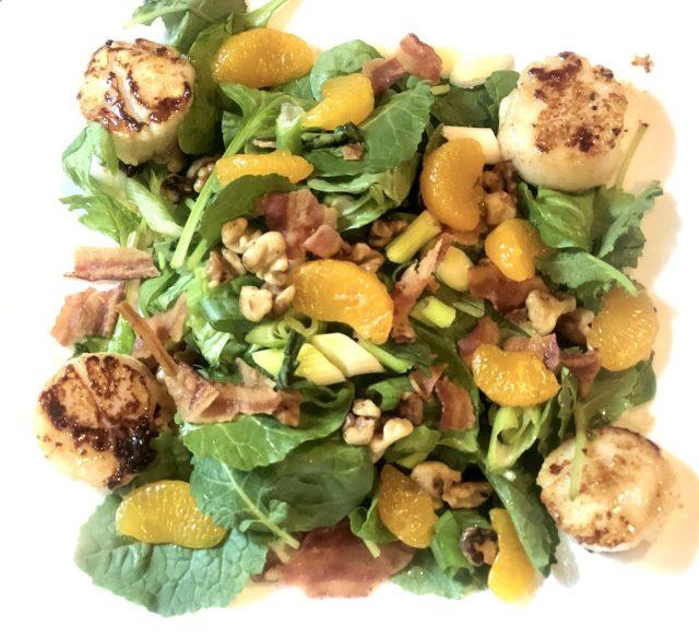 Spinach-Mandarine-Walnut Salad with Scallops