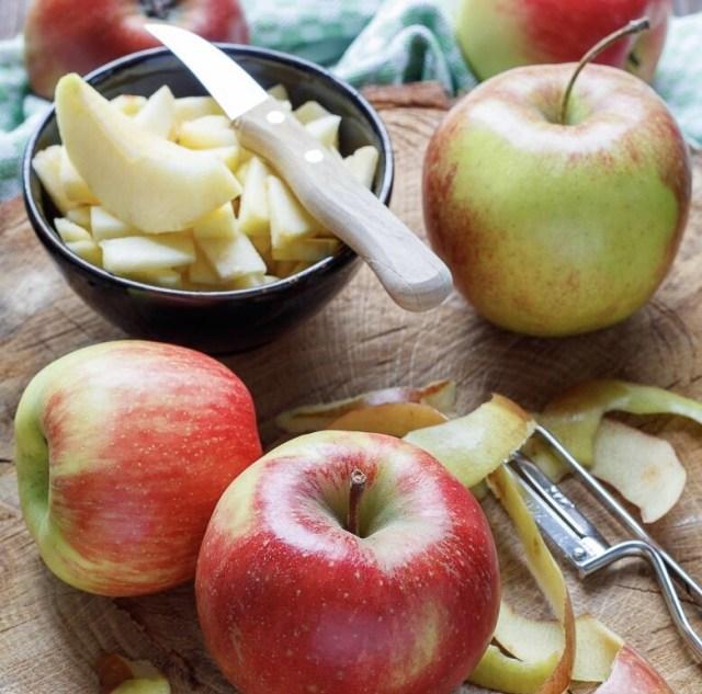 Slice apples for Apfelkräpfchen, German Apple Pancakes