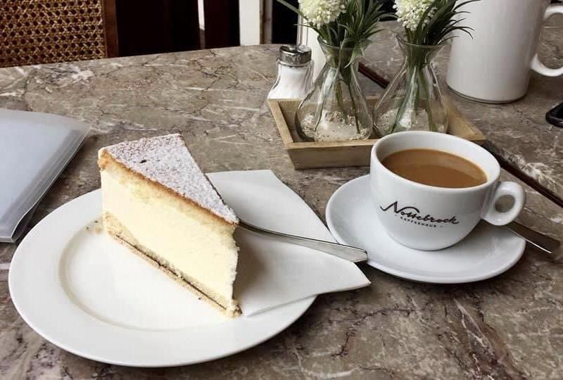 Kaesesahne Torte, German cream cake