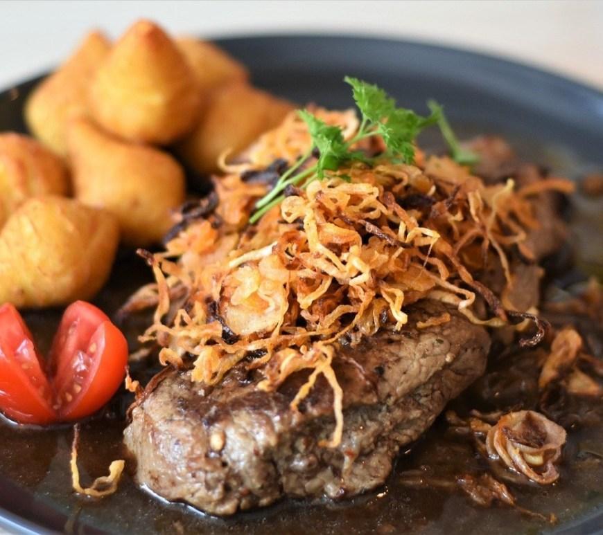 Zwiebelrostbraten, onion roast beef