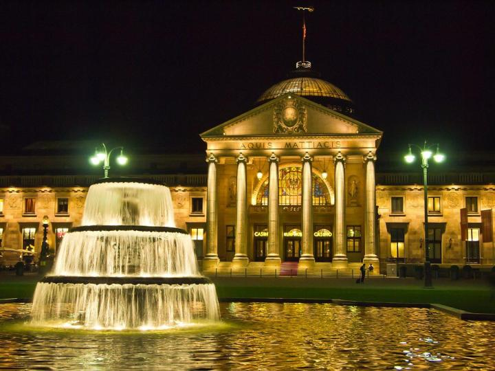 Kurhaus in Wiesbaden, the oldest Kurort or Spa town in Germany. Photo by Von Pedelecs by Wikivoyage and Wikipedia