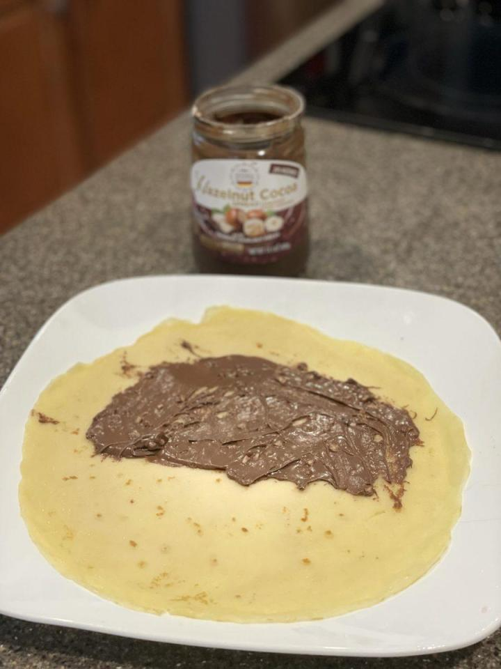 Crepes with chocolate hazelnut creme