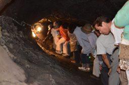 narusawa-ice-cave-gagingojapan