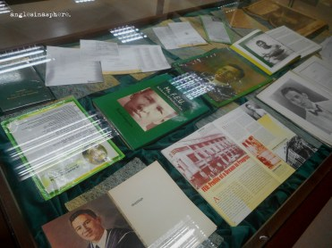 reading materials on Nick Joaquin at the library