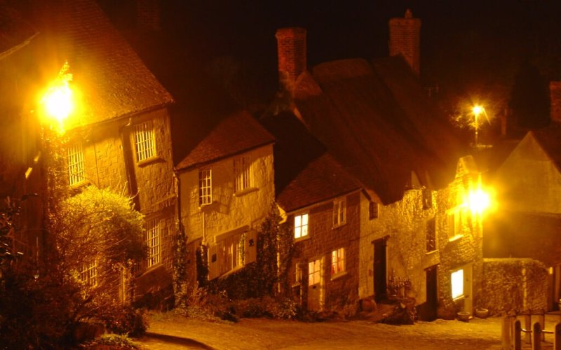 Shaftesbury Gold Hill Dorset at night