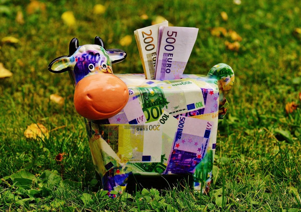 BNA vendeu esta semana perto de 260 milhões USD aos bancos comerciais O Banco Nacional de Angola (BNA) vendeu esta semana 259,8 milhões de dólares norte-americanos aos bancos comerciais.