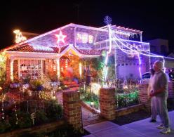 house-covered-christmas-lights-australia