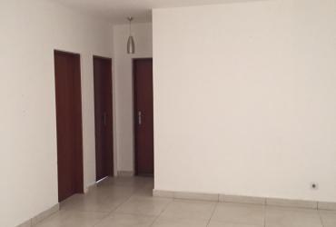 Arrenda-se apartamento no condomínio da Filda
