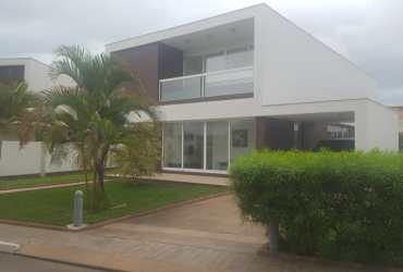 Vendo moradia v3+1 Palmeiras Residence talatona