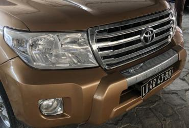 *Toyota Land Cruiser  VX V8
