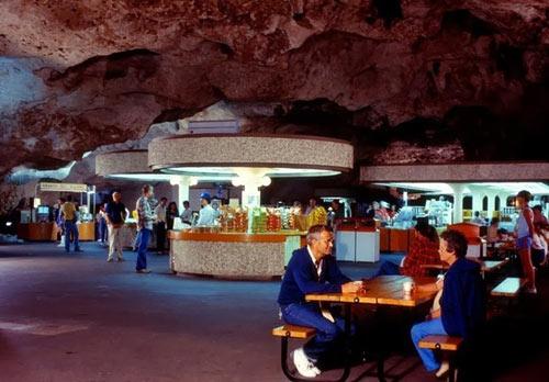 Ấn tượng nhà hàng dưới lòng đất có 1-0-2 ở Mỹ - 1