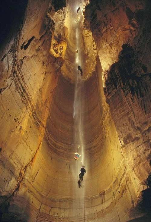 Khám phá hang động sâu nhất thế giới - 3
