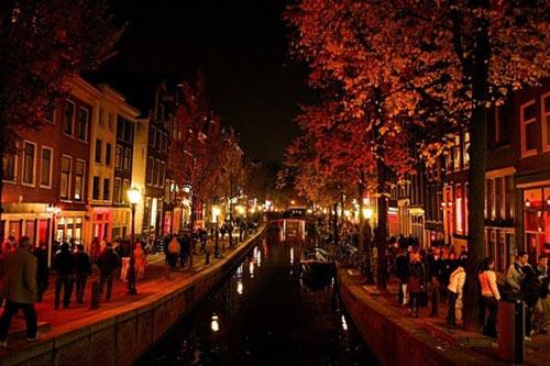 5 khu phố đèn đỏ nổi tiếng thế giới - 1