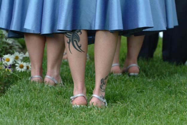 tatuaje glezne fata