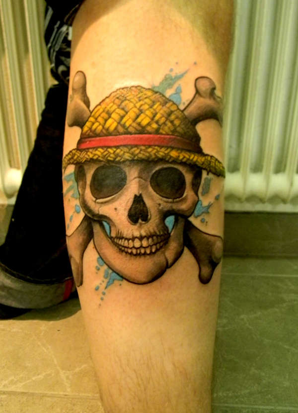 Strawhat-Pirate-Skull-tattoo-121490