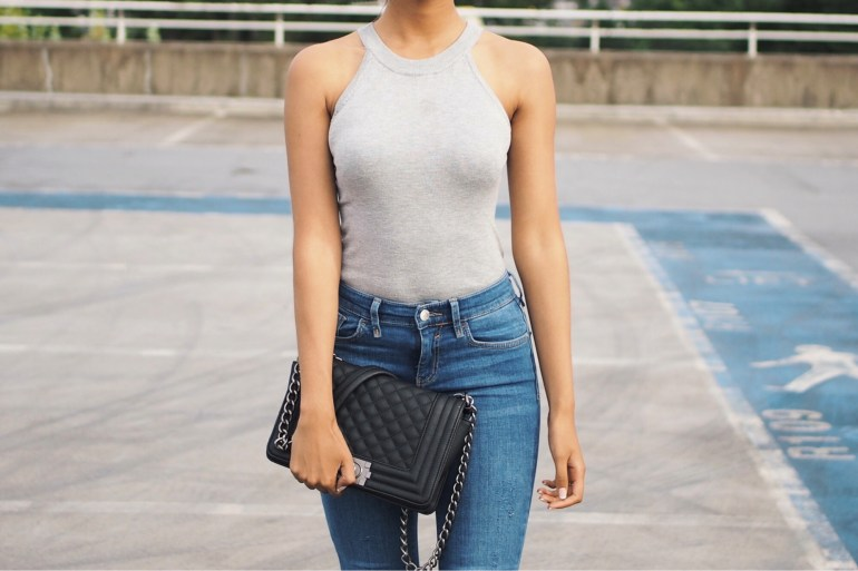 grey top outfit