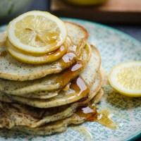 Pancakes al limone e semi di papavero