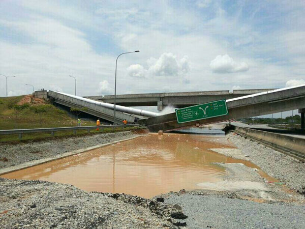 cyberjaya-highway-collapse