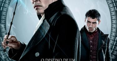 """Pôster individual de Grindelwald e Credence. Grindelwald está em destaque, usando uma roupa formal. Credence está ao fundo, com aparência irritada. Acima do logo, lê-se: """"O destino de um. O futuro de todos"""""""