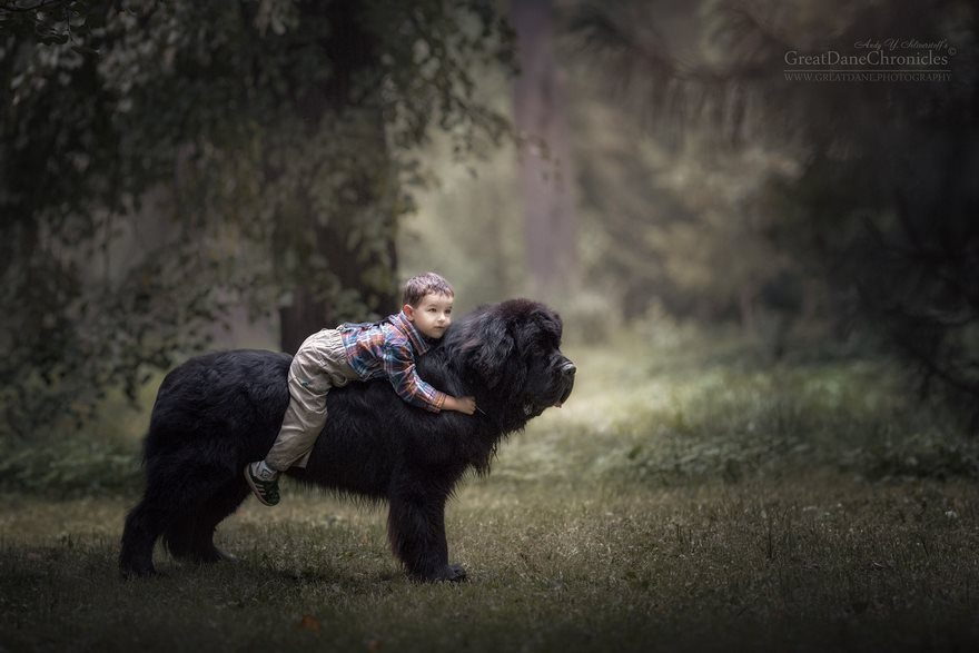 6-heart-melting-pics-of-kids-and-their-huge-pets