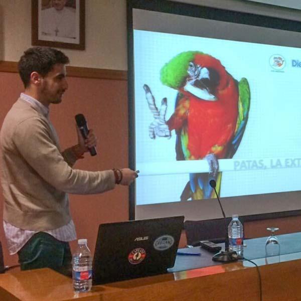 Javier Fernández en una conferencia