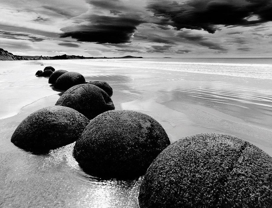 Валуны Моераки (Moeraki  Boulders) в Новой Зеландии