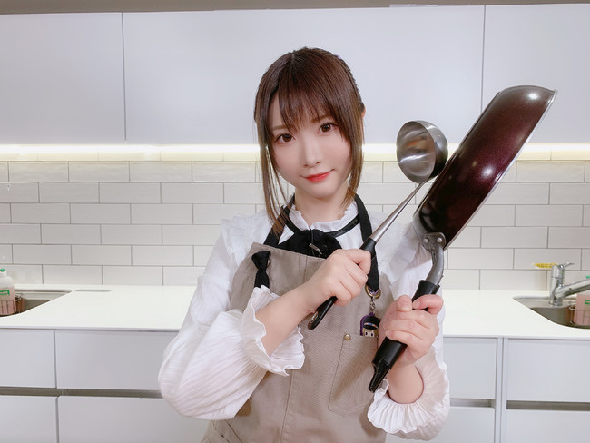 """""""Hカップ""""美人コスプレイヤー・すみれおじさんがTikTokを開設!「コメントをくれた方には全員リプを返します!」"""