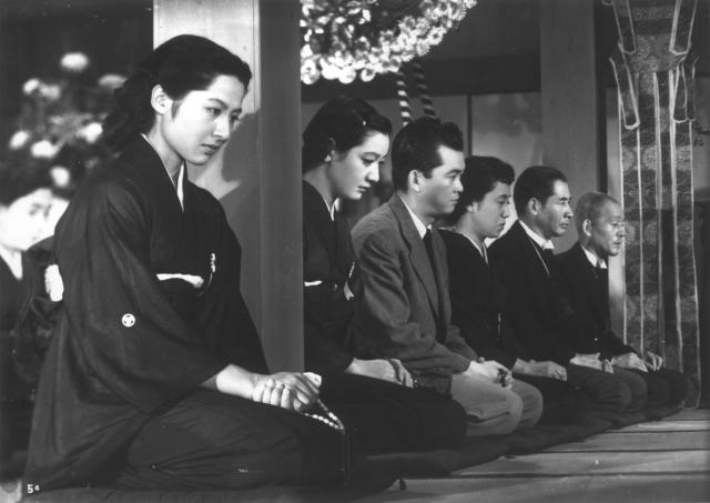 """A screencap from a non-anime?? BLASPHEMY (from """"Tokyo Story"""")"""