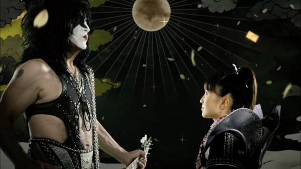 Momoiro Clover VS KISS reklame video